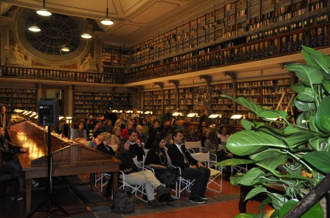 IW fans and friends at the Uffizi Library